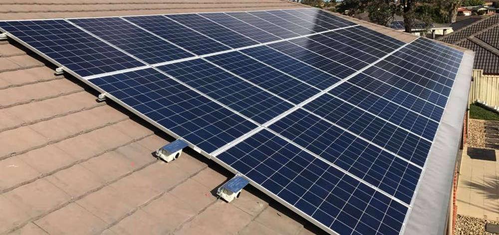queenslanders get interest free solar loans and rebates
